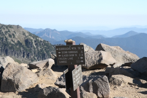 Signpost where the Sunrise Rim Trail meets the Burroughs Mountain Trail.