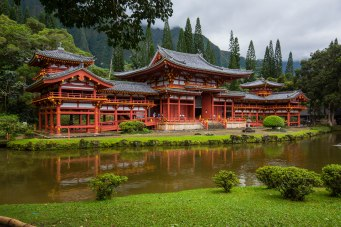 Byodo-In Buddist Temple in the Valley of Temples.
